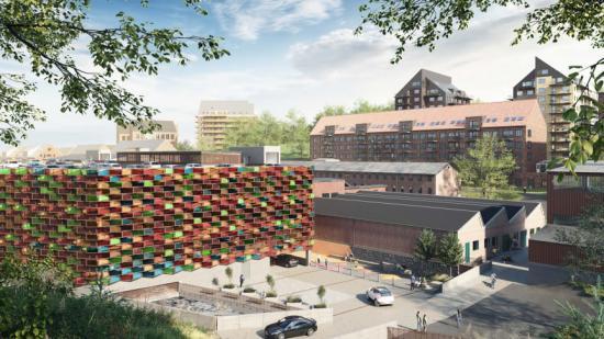 Wallenstam satsar på solceller i Mölnlycke Fabriker med 1 500 solcellsmoduler i fasaden som ger energi till belysning, laddstolpar men även bidrar med förnybar energi ut i elnätet (bilden är en illustration).