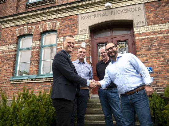 <span>I bild fr vänster:</span>Gunnar Johansson, vd AB Vänersborgsbostäder, Håkan Dahlberg, projektchef MVB Astor Bygg, Jan-Eric Borgmalm, projektledare Vänersborgsbostäder samt Mikael Andreasson, regionchef MVB Astor Bygg.