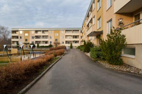 Lundbergs Fastigheter säljer fastigheterna Laxen 10 och Björnen 10 i Huskvarna.