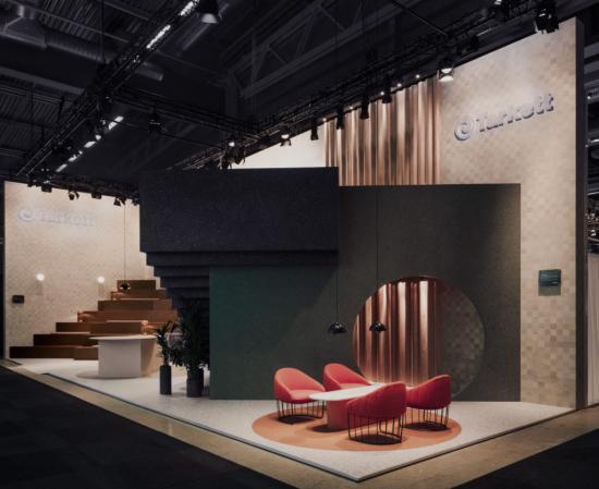 """The Lookout, som visades på Stockholm Furniture Fair 2018 har vunnit utmärkelsen """"Small interior of the year"""" i Dezeen Awards 2018. The Lookout designades av Note Design Studio som skapade en formstark installation för att visa nya perspektiv och användningsområden för golv."""