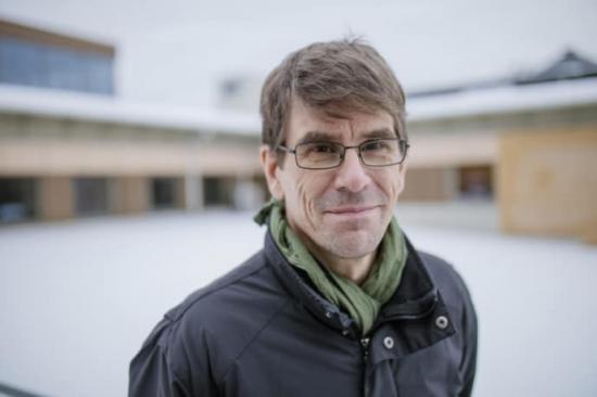 <span>Professor Thomas Olofsson samordnar workshopen om energieffektiv renovering.</span>