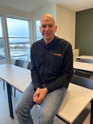 Rektor Tobias Ejdeholm ser ljust på framtiden för Praktiska Karlstad.