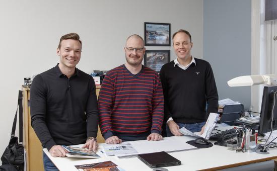 Försäljningskonsulenter Kim Eklöf, Tobias Olsson och Johan Englund.