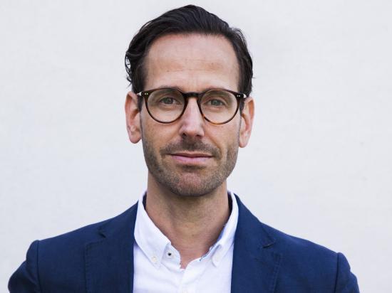 Jonas Högset, chef för fastighets- och boendeenheten på Sveriges Allmännytta.