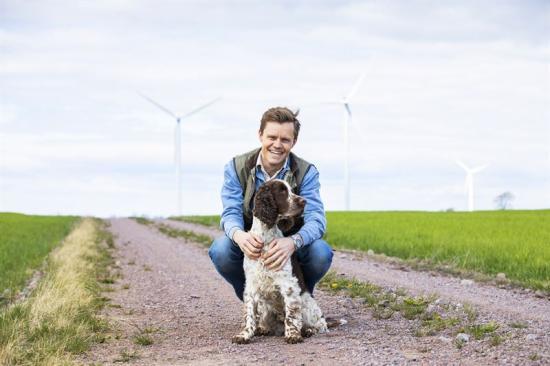 Gustav Andersson är en av Bixias drygt 3000 producenter av förnybar el.