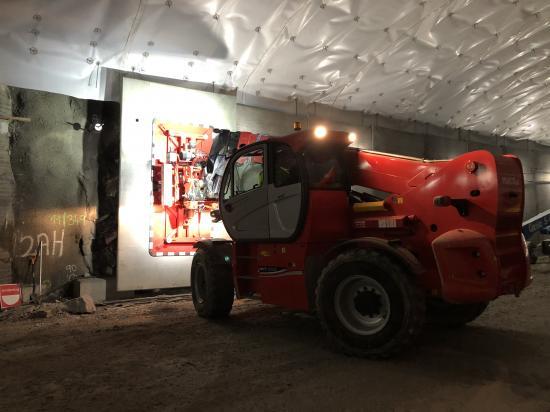 Tunglyftaren MHT10130 har snart satt upp 2000 väggelement à 6 ton.