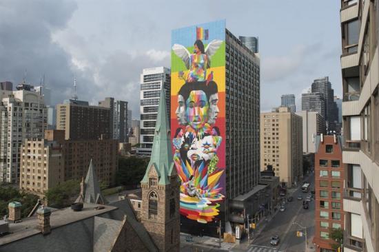Muralmålning av Okuda i Toronto.