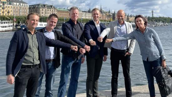 Jonas Björk, Per Sundberg, Michael Dahlberg, Gustaf Larsson Ernefelt, Johan Larsson och na de Vreeze Dahlberg.