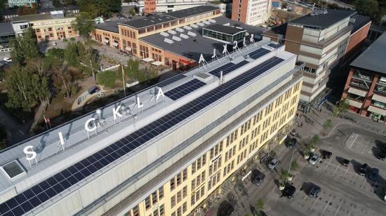Solceller på Luftverkstaden i Sickla.