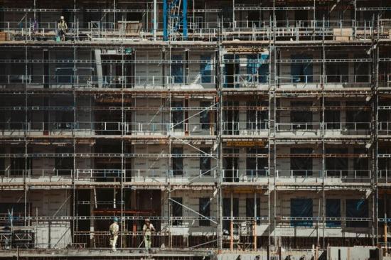 Minskad ombyggnadsvolym inom flerbostadshus, men Covid-19 är inte anledningen.