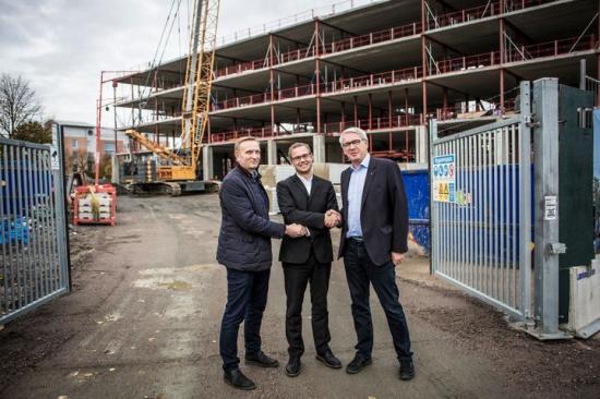 Erik Jagesten, fastighetschef Medicon Village, Fredrik Rosenqvist, chef E.ON Business Innovation och Mats Leifland, VD Medicon Village.