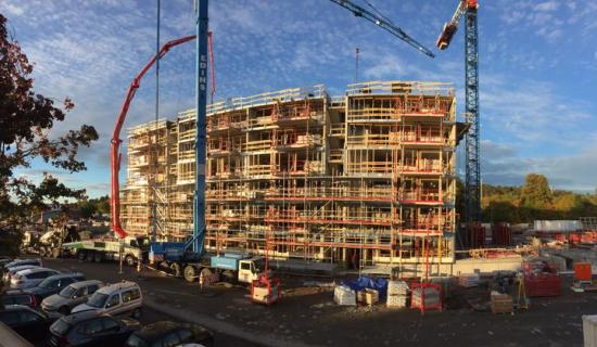 Åsikten Södra i Uppsala är ett exempel på traditionellt byggande med Riksbyggen som nöjd beställare och mycket nöjda boende (topp tio i Sverige, NKI 2018).