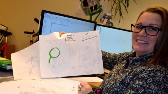 Carolina Aouseus, ansvarig för ABK:s utemiljöer och den som ritat den nya aktivitetsplatsen.