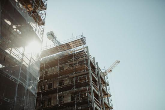 Husbyggnadsinvesteringarna kan minska med 60 miljarder på grund av Corona.