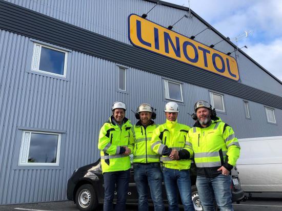 Från vänster Tom Istgren ny VD, Marcus Svensson Armerad betong Michael Larsson ny Styrelseordförande, Tomas Olsson Armerad betong.