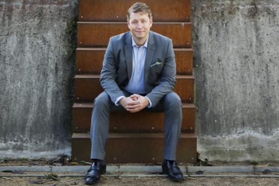 Rudolf Antoni, näringspolitisk chef på Fastighetsägarna GFR, gillar att fastighetsbranschen tar samhällsansvar.
