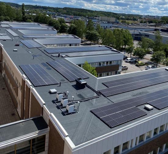Nya solceller på Oxel.