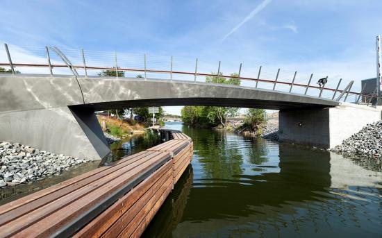 Finalist nummer fem ären bro i Husarviken.