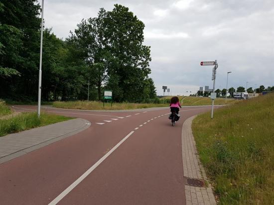 Snelfietsrute i Nederländerna. Cykelstråk med hög standard och en av förebilderna för framtida supercykelstråk.
