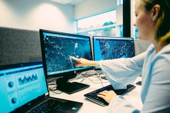 Redskapen lokaliseras direkt i ABAX digitala karta.