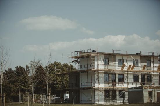 Tillväxt för den byggrelaterade detaljhandeln under årets inledning.