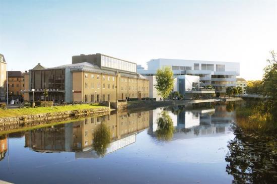 Kulturkvartert sett från ån.