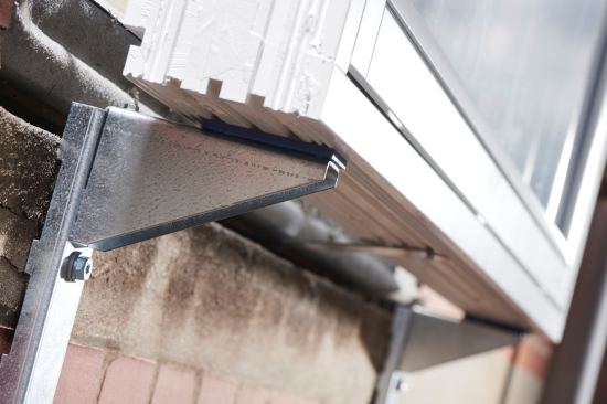 Paslode WicoLine säkrar effektivt fönster- och dörrmontage vid utvändig isolering.