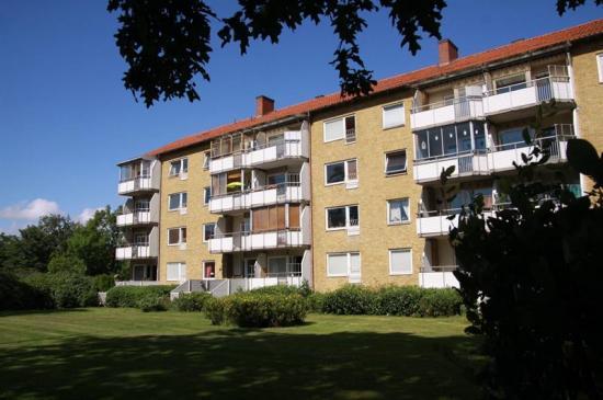 I Elineberg i sydöstra delen av Helsingborg finns 112 hyreslägenheter från 1950-talet som ska byggas om.