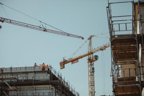 Signaler på en vändning för lokalbyggandet.