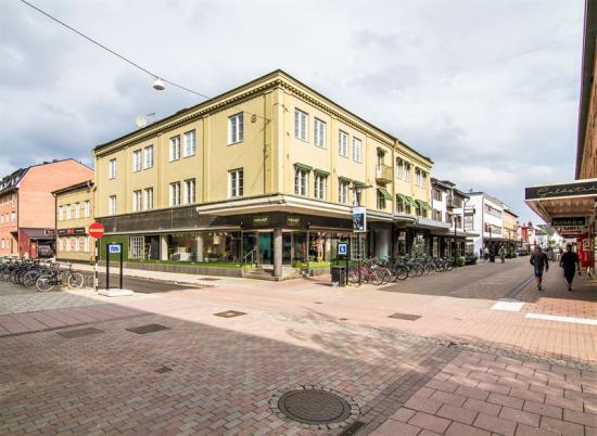 Fastigheterna som Diös förvärvar innehåller bostäder och kommersiella lokaler.