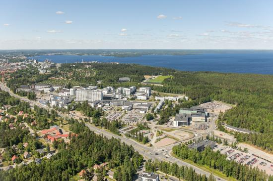 Flygvy över Tammerfors universitetssjukhus.